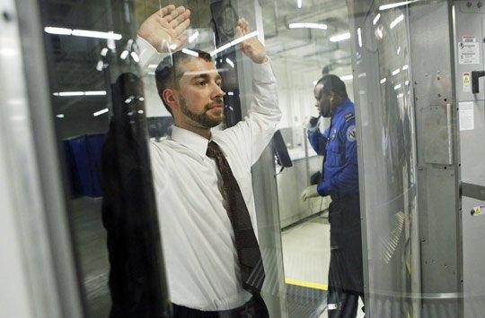 注意!美国国土安全部提升入境美国安检标准!日均32万5千名乘客受到影响!
