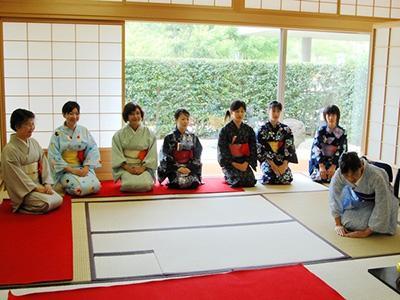 日本公布30万留学生计划!赴日读研再也不用担心钱和就业了!