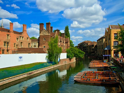 去英国留学要考什么