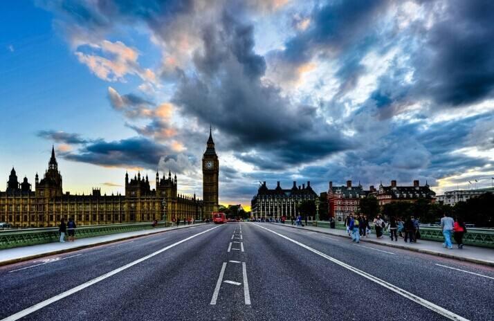 英国留学费用多少一年?(英国留学费用明细)