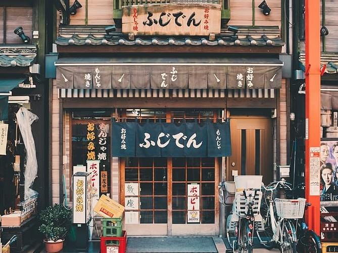 日本留学专升硕并不难!选对方法逆袭上名校!