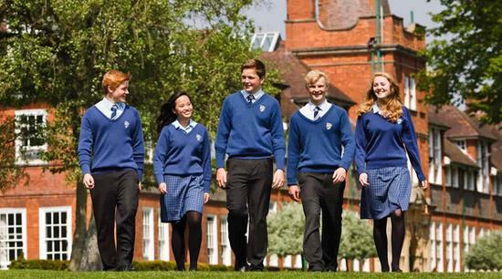 英国高中的留学费用详情