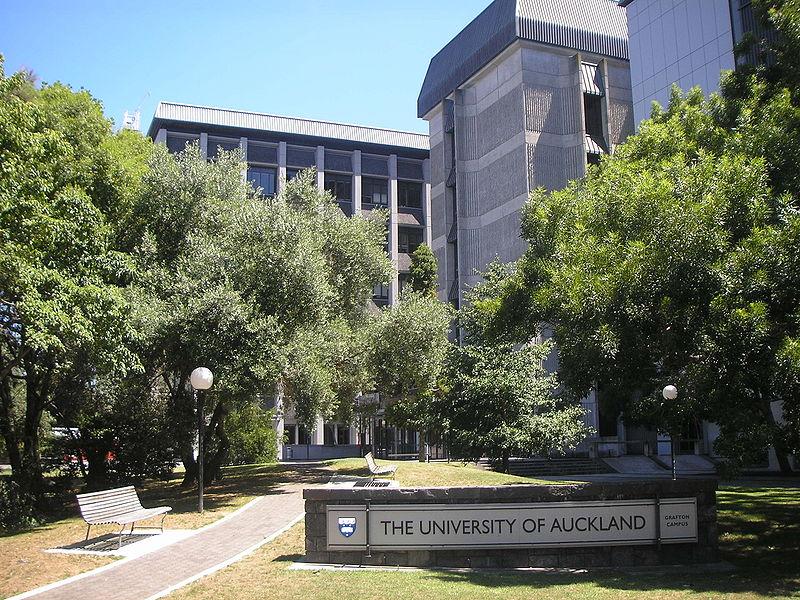 奥克兰理工大学