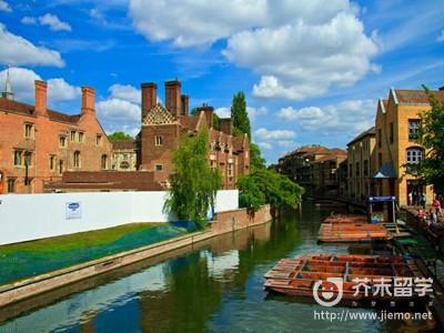去英國留學要考什么
